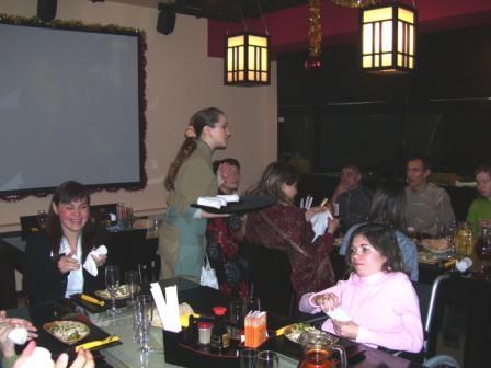 """Фото: Члены МК """"Ника"""" в ресторане японской кухни """"Гиннотаки"""" (по приглашению руководства ресторана)"""